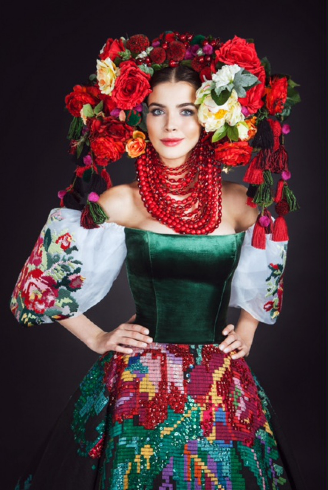 Мисс Украина-Вселенная 2016 в национальном костюме