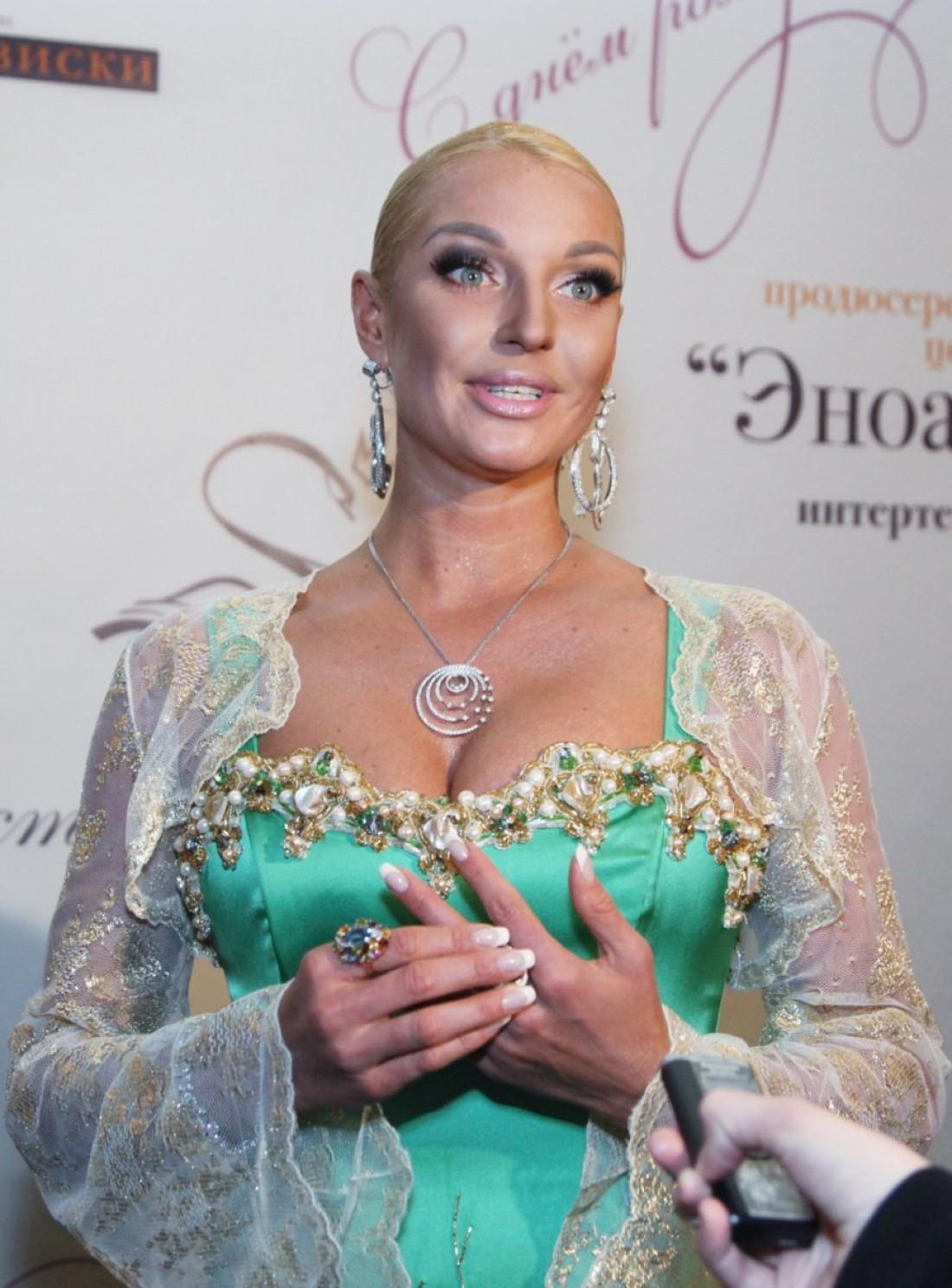 Балерина Анастасия Волочкова вновь в центре внимания