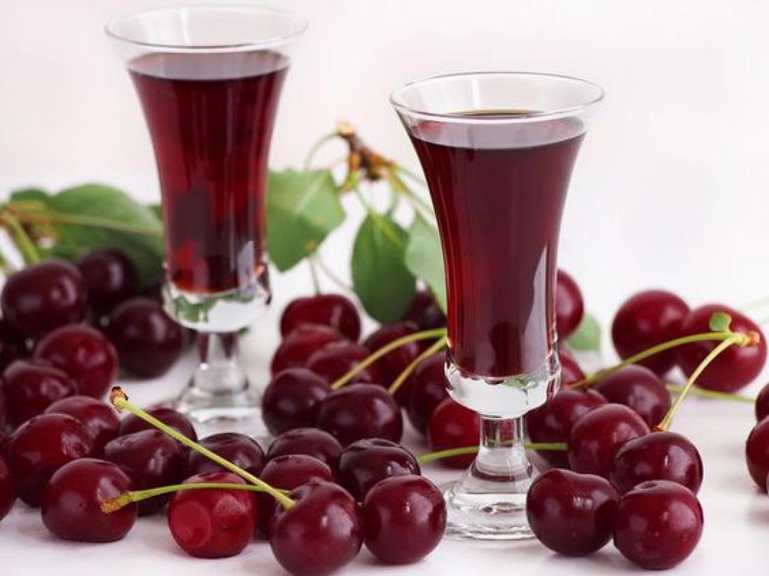 Как приготовить вишневое вино в домашних условиях?