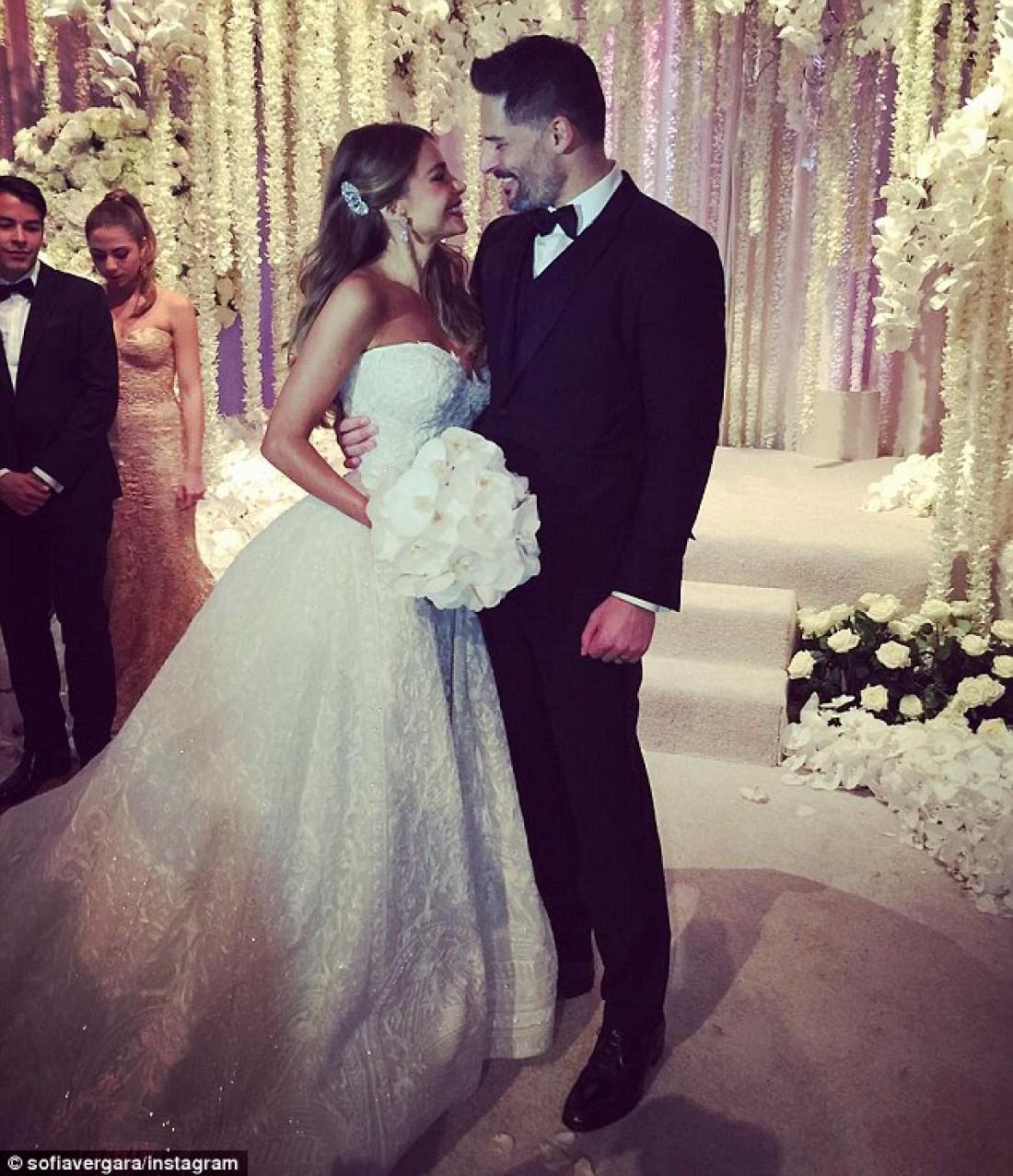 София Вергара и Джо Манганьелло поженились instagram.com/sofiavergara