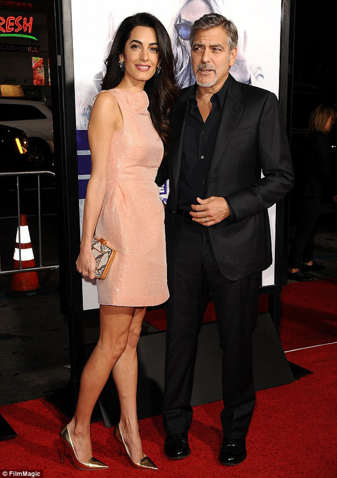 Амаль Алламудин и Джордж Клуни на премьере фильма Мой бренд – кризис