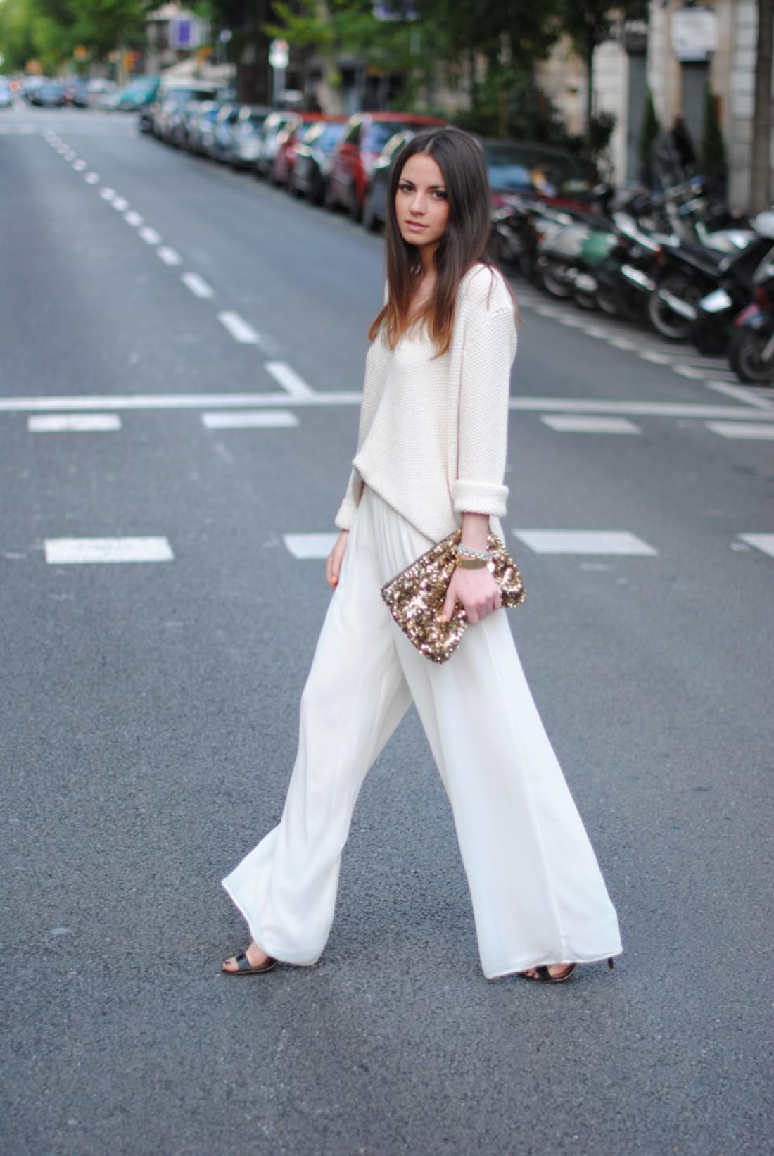 Как носить белый цвет осенью: способ № 7