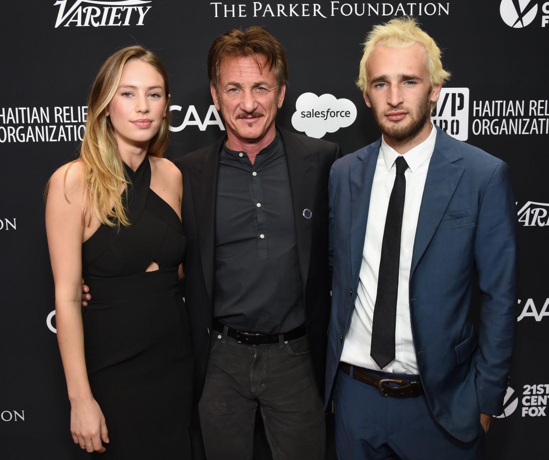 Шон Пенн с сыном и дочкой