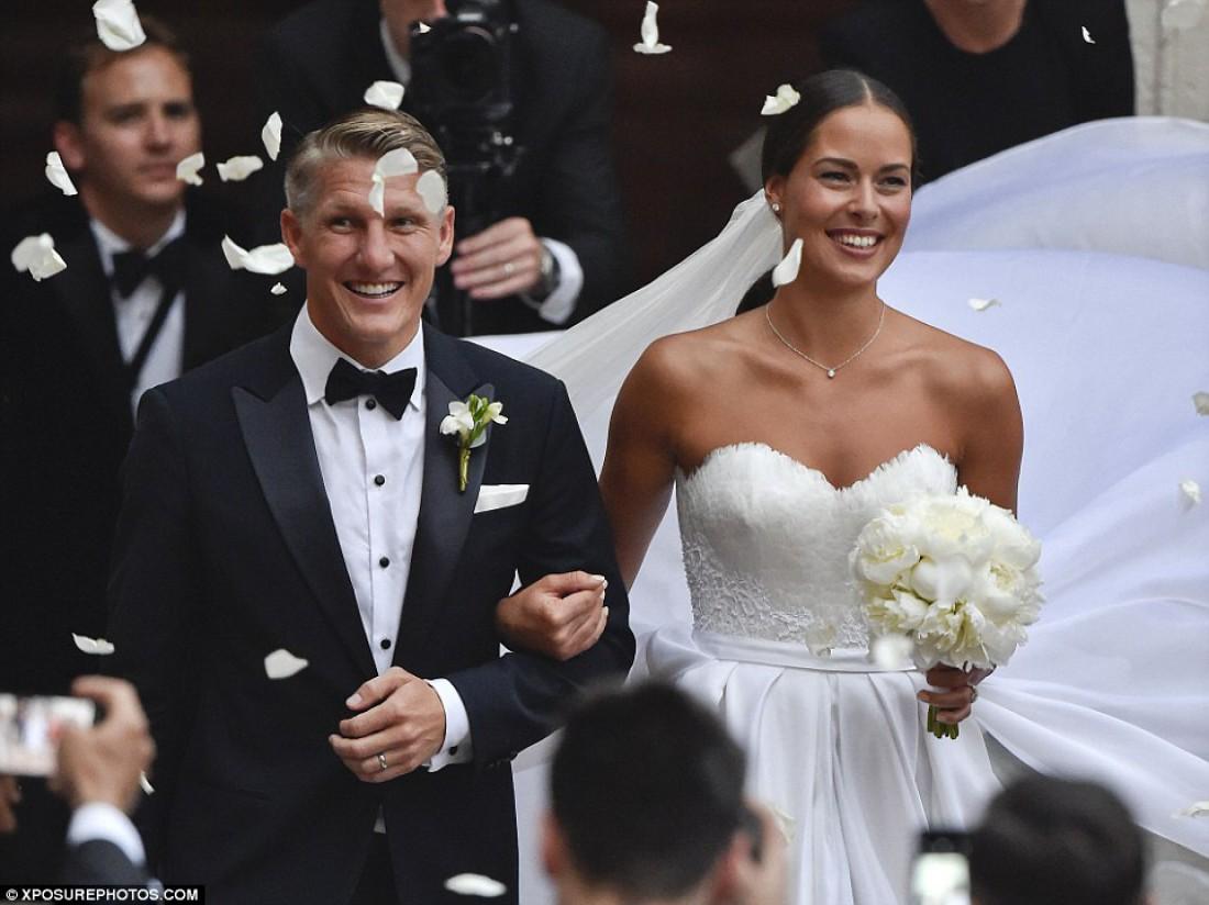 Бастиан и Ана после венчания
