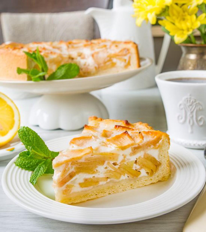 Яблочный пирог с ванильно-сметанным кремом