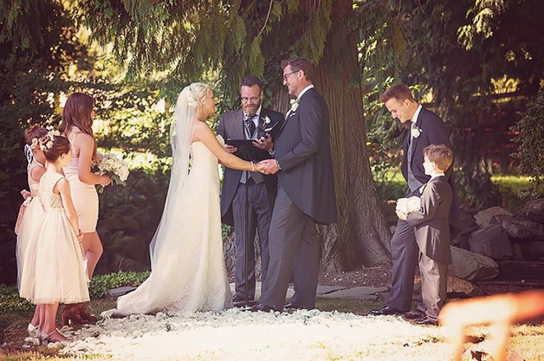 Джози Биссет свадьба
