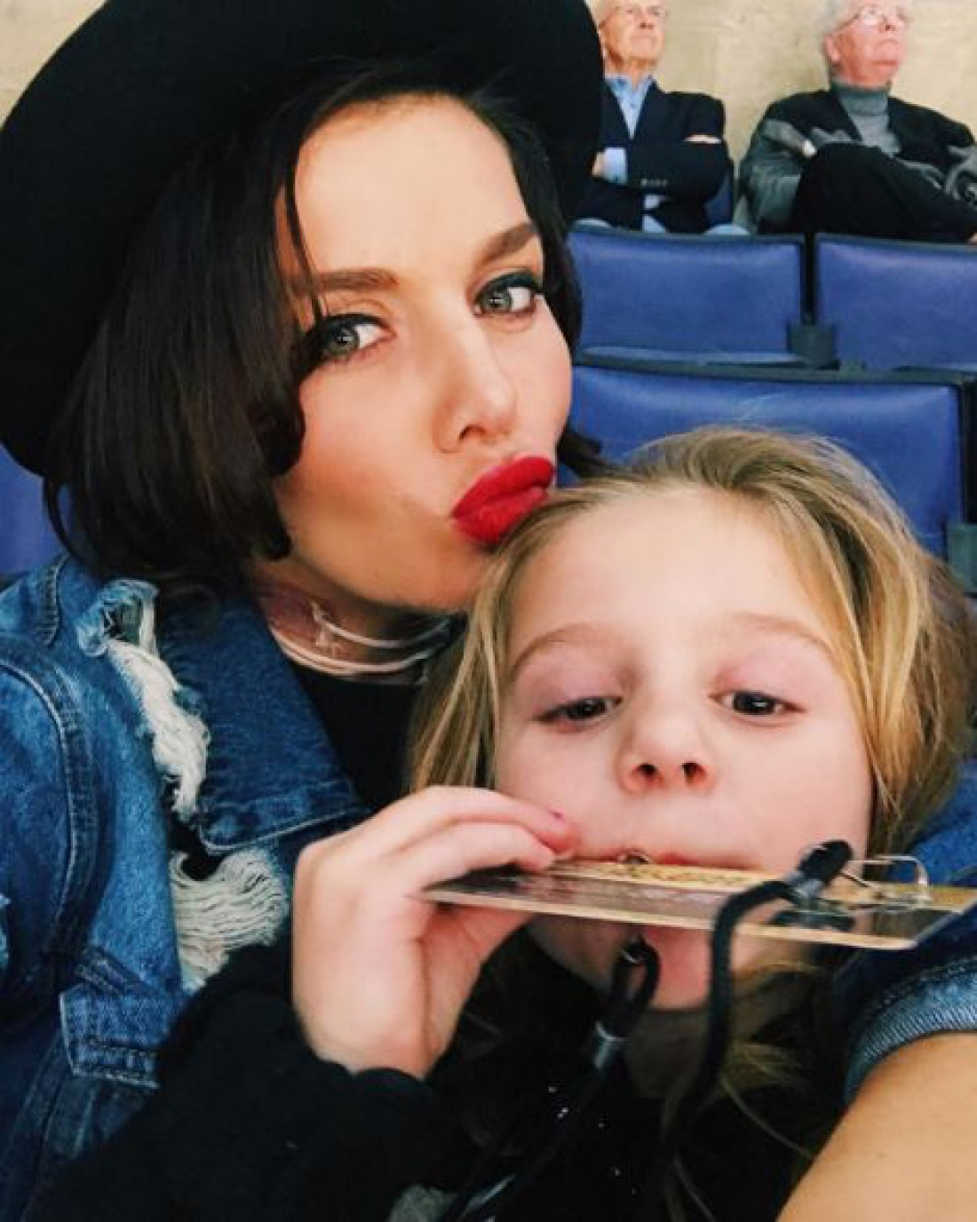 Анна Седокова с младшей дочерью