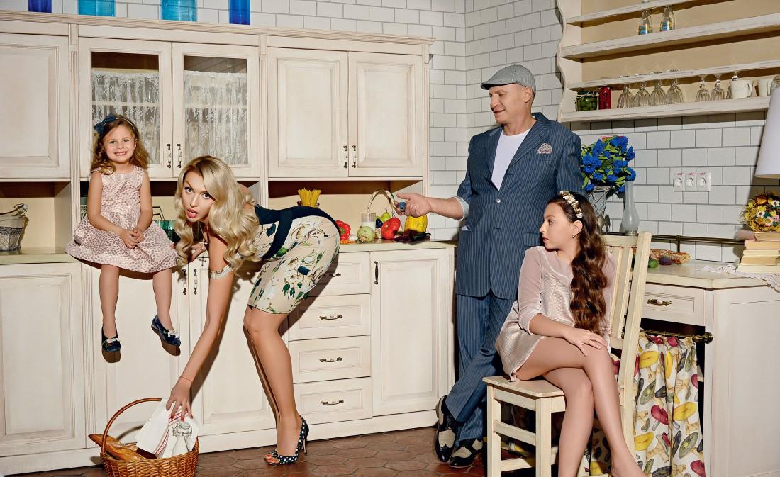 Оля Полякова с семьей