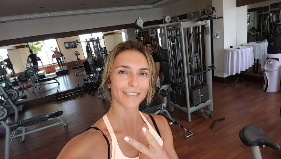 Марина Узелкова тренирует участников шоу