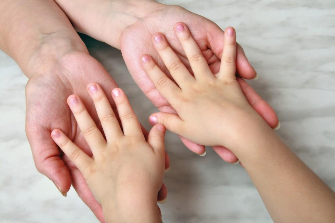 Не стоит насильно переучивать ребенка писать правой рукой
