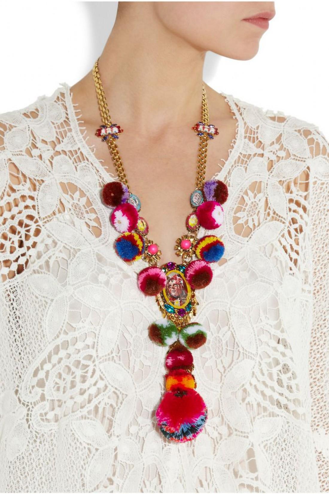 Ожерелья с помпонами