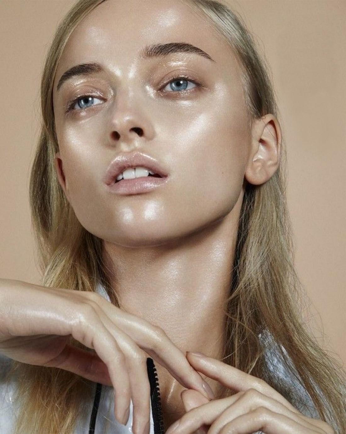 Неправильно нанесенный тональный крем может испортить весь макияж