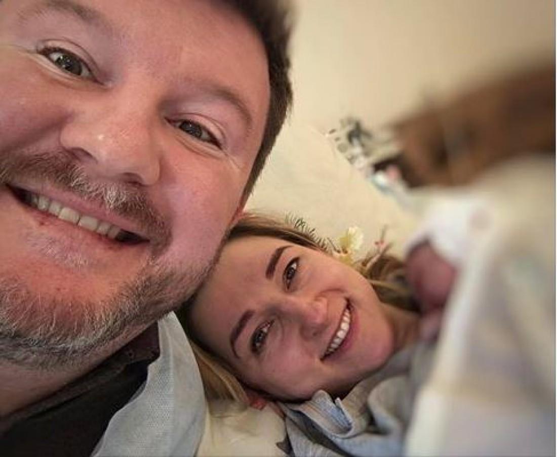 Дима с женой Еленой и новорожденным сыном