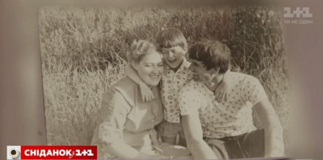 Евгений с родителями