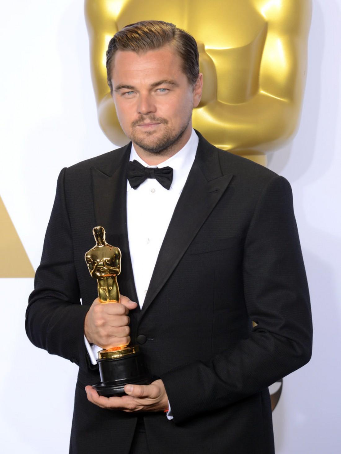 Ди Каприо во время церемонии Оскар 2016