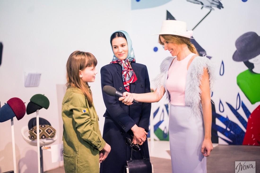 Маша с дочкой Наной дают интервью Кате Осадчей
