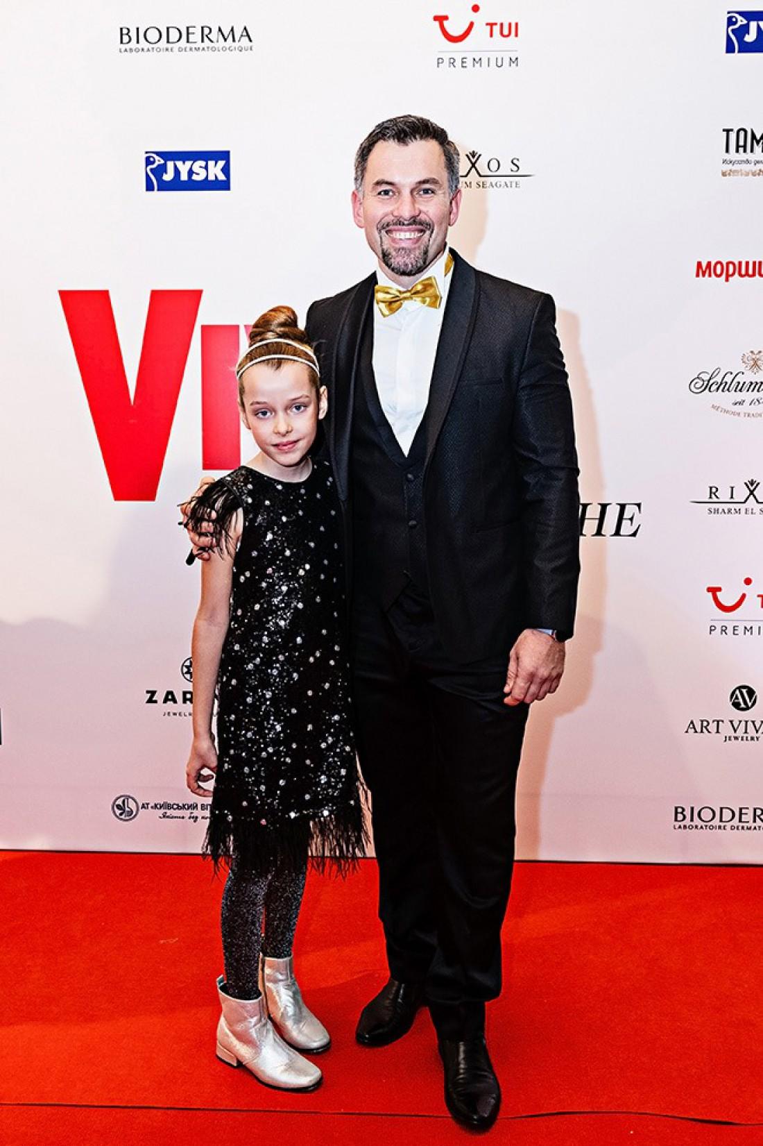 Геннадий Попенко с дочкой Богданой
