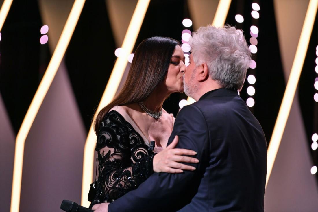 Каннский кинофестиваль 2017: Моника Белуччи с Педро Альмадоваром