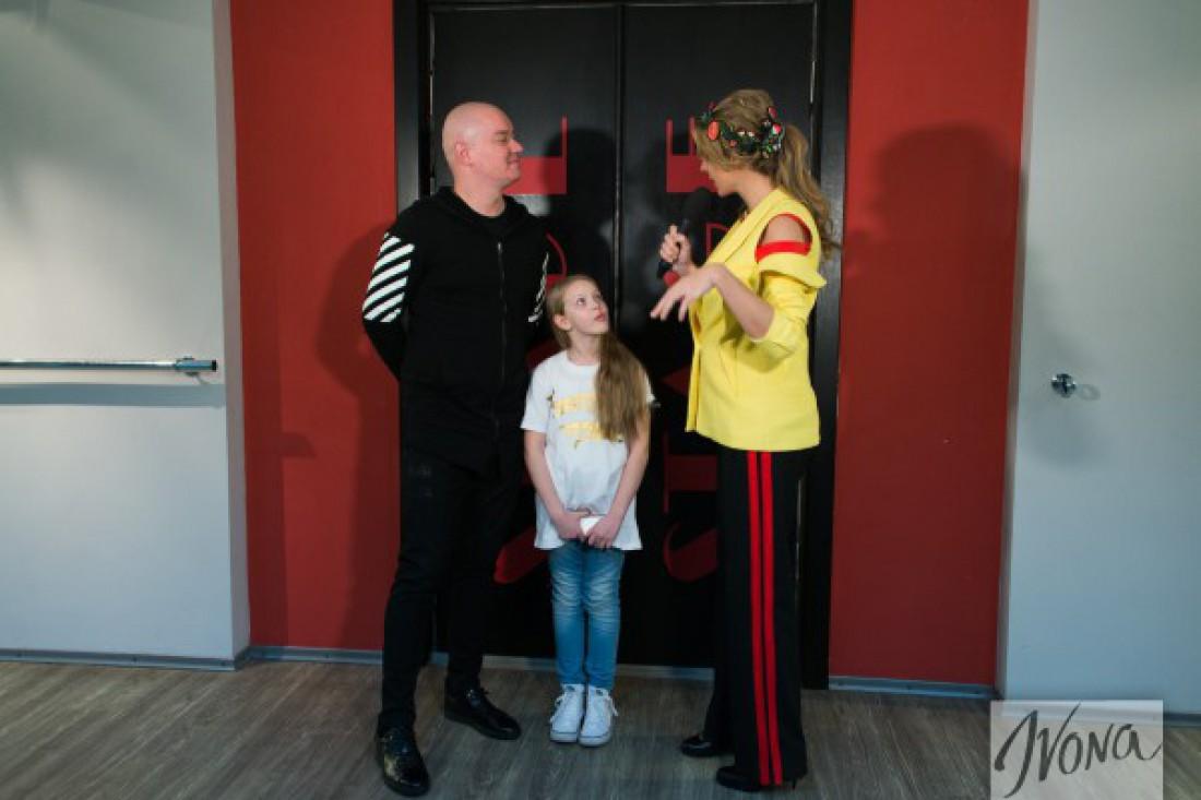 Евгений Кошевой с дочкой и Катей Осадчей