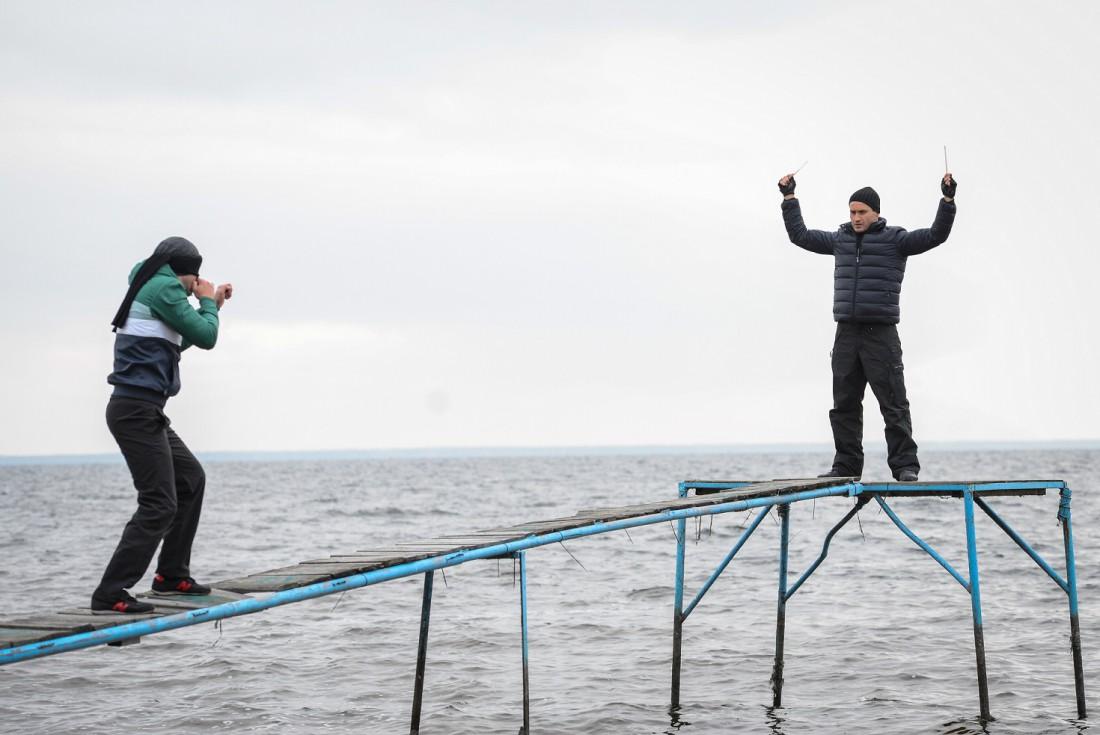 Александр Попов с коллегой по фильму Ахтемом Сейтаблаевым
