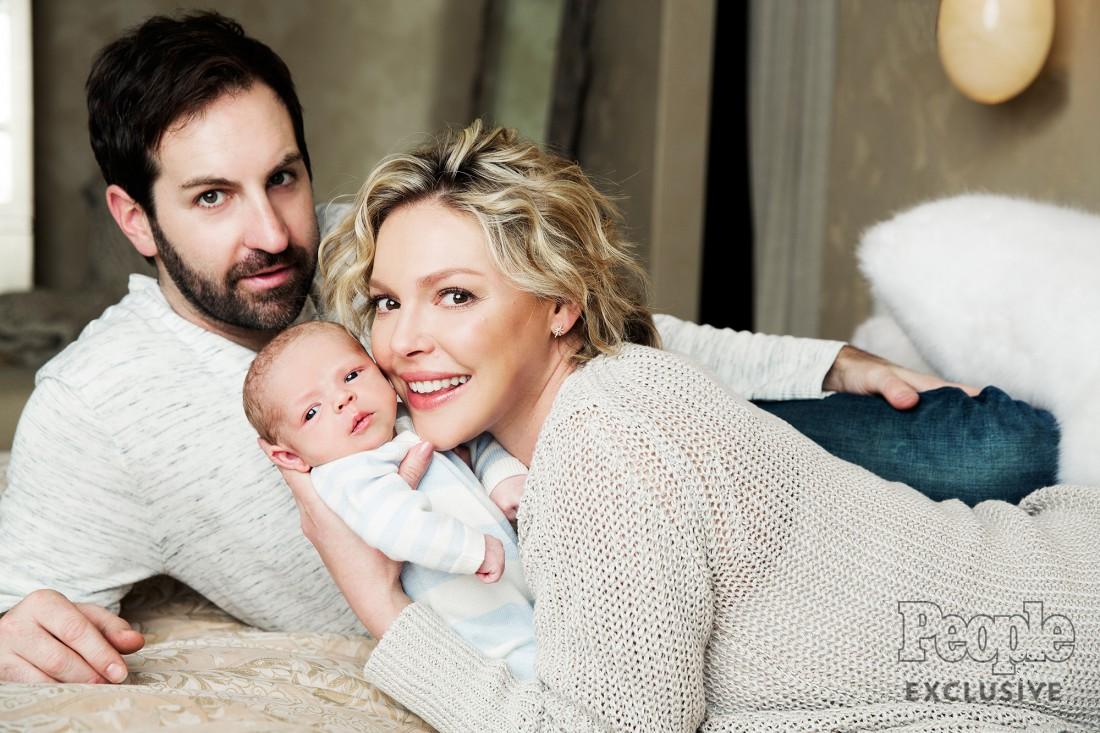 Кэтрин Хэйгл с мужем и сыном