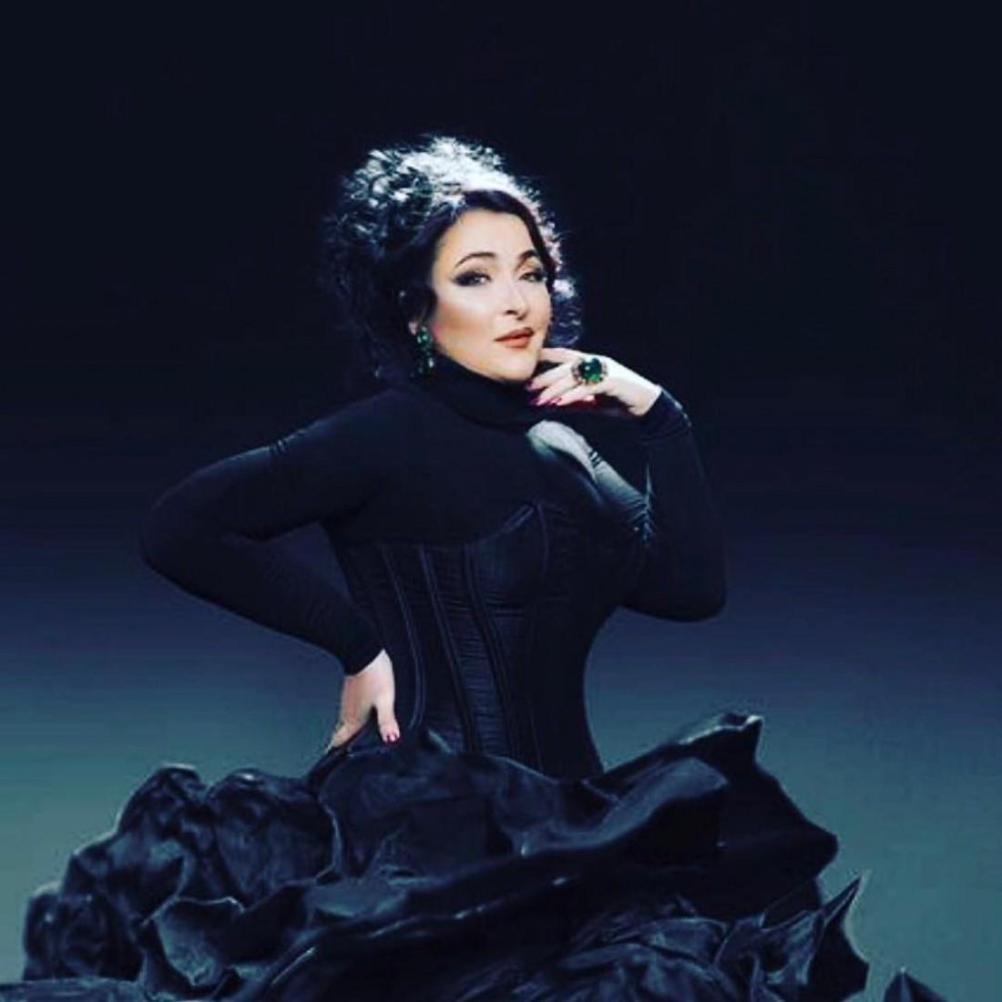 Пограничники непустили вУкраину певицу Лолиту