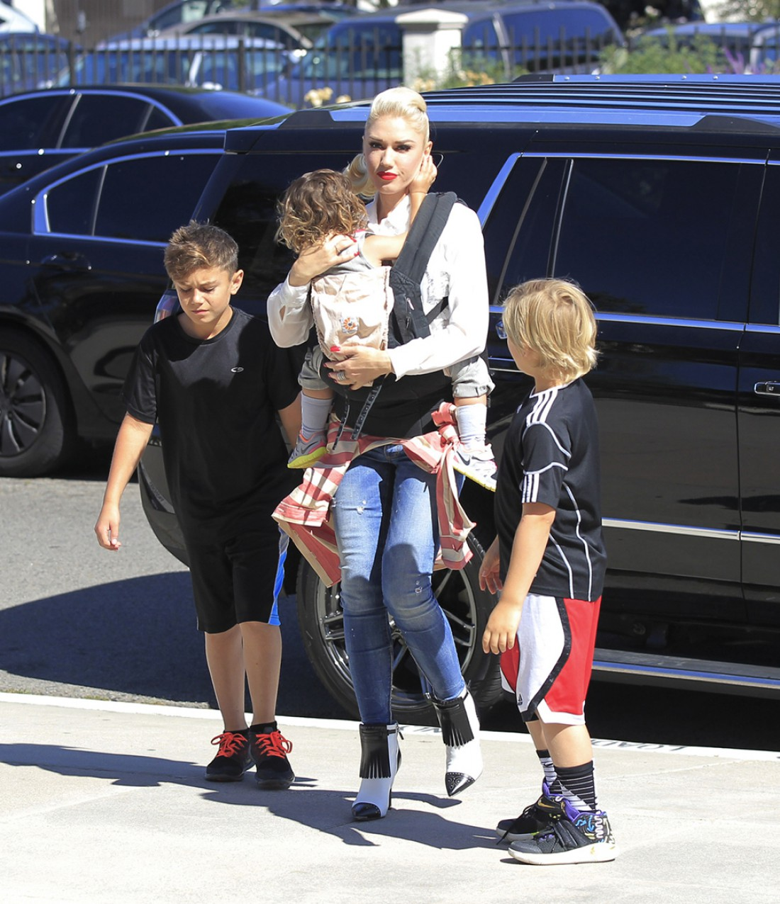 Певица Гвен Стефани с детьми