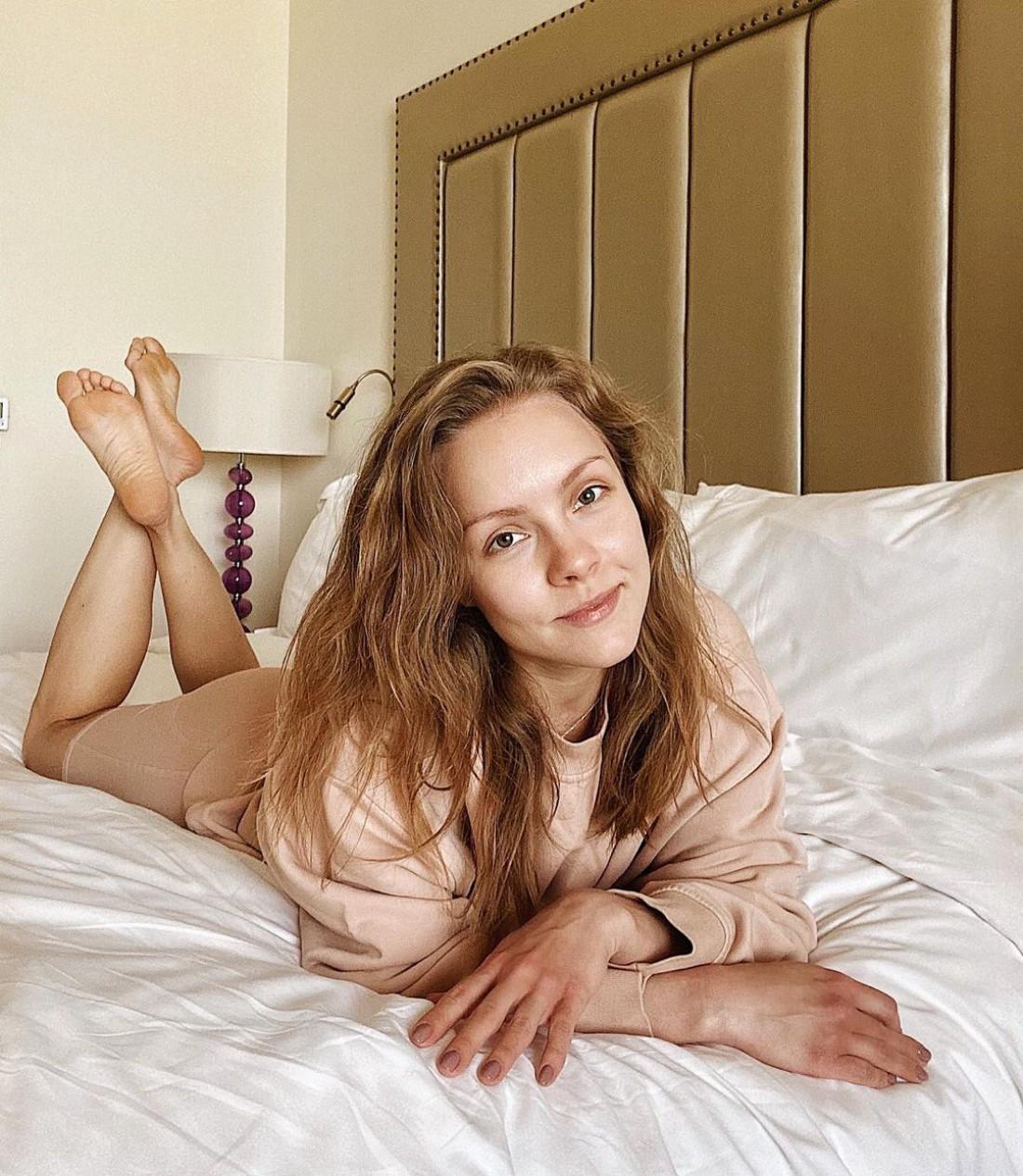 Алена Шоптенко запостила постельное фото с отдыха в ОАЭ
