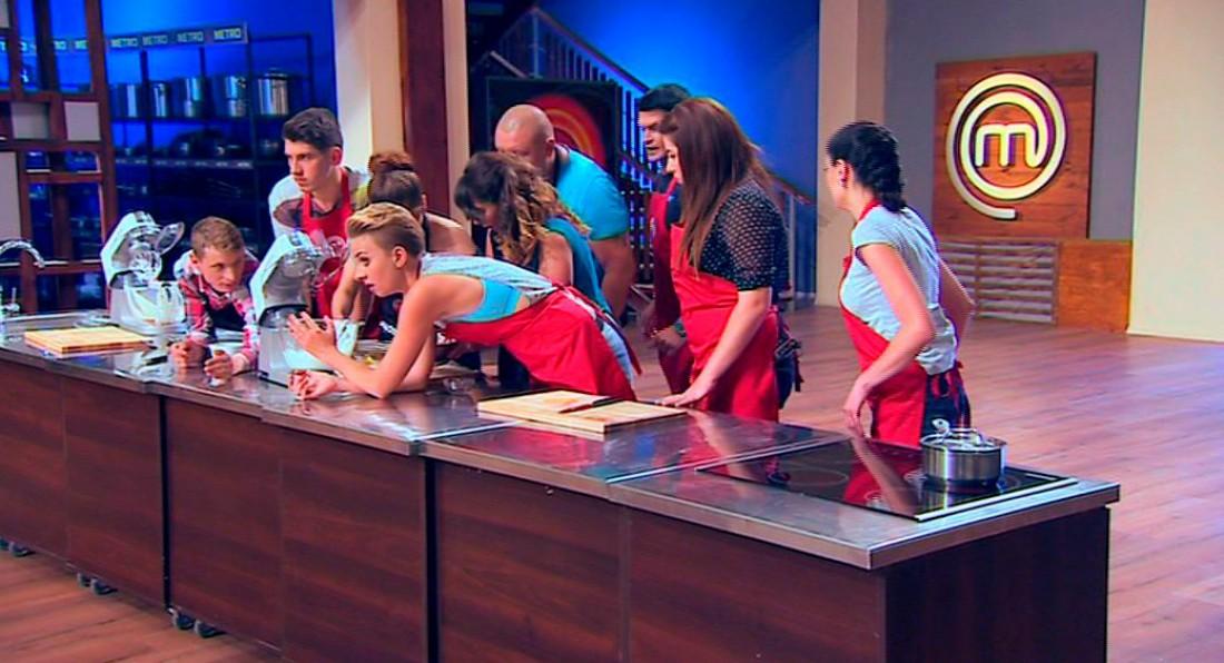 МастерШеф 6 сезон 8 выпуск: красные прятали свой десерт от синих
