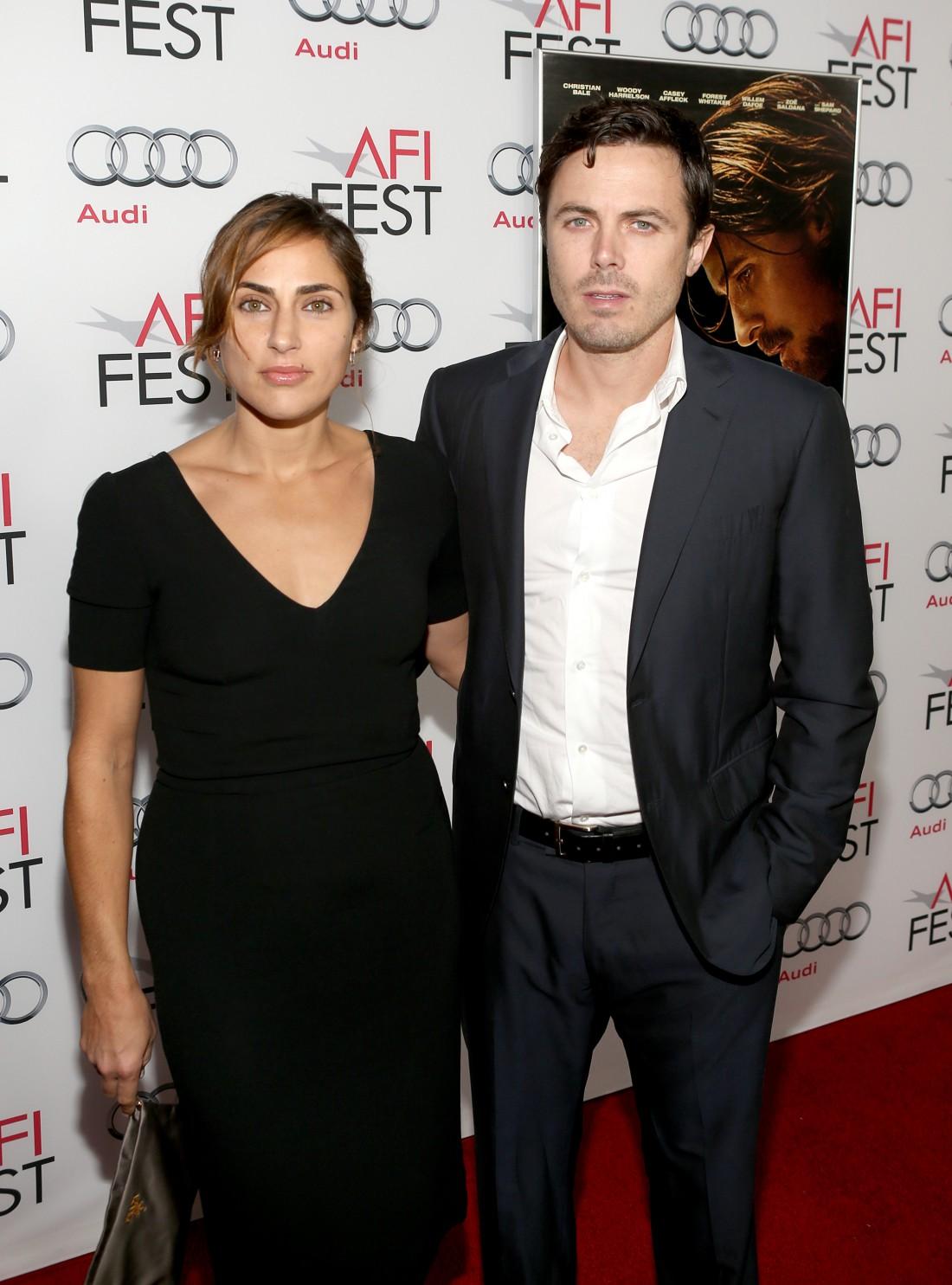 Кейси Аффлек с женой