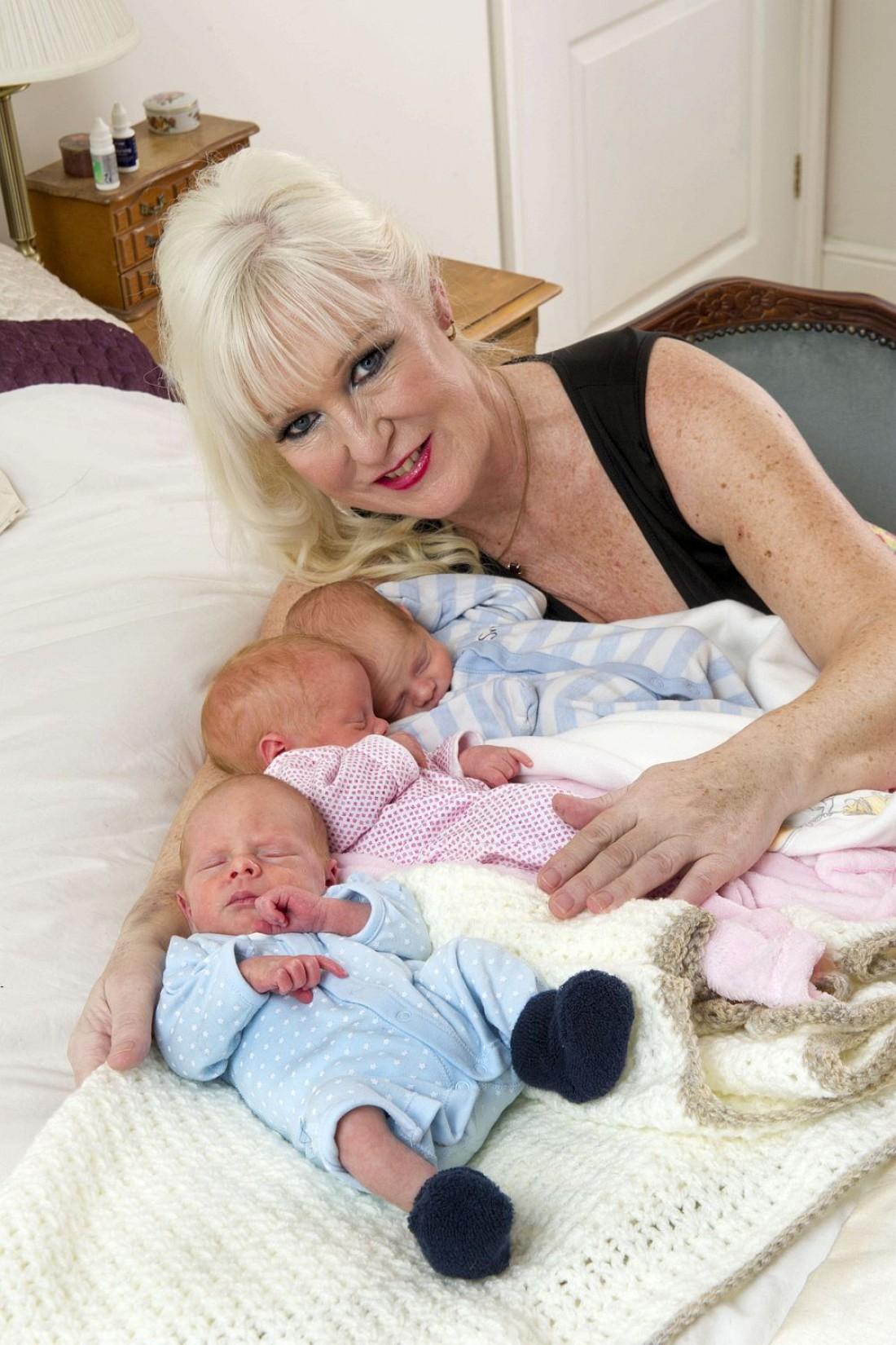Шэрон и ее тройняшки