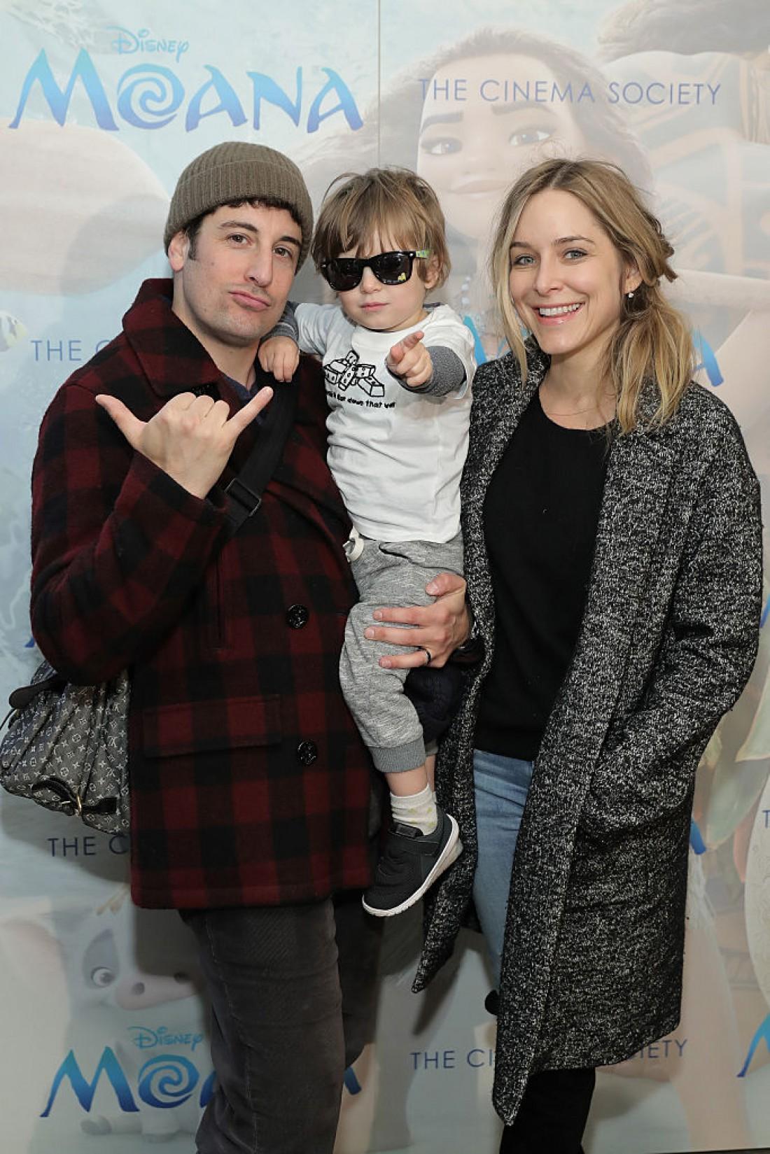 Джейсон и Дженни с сыном Сидом