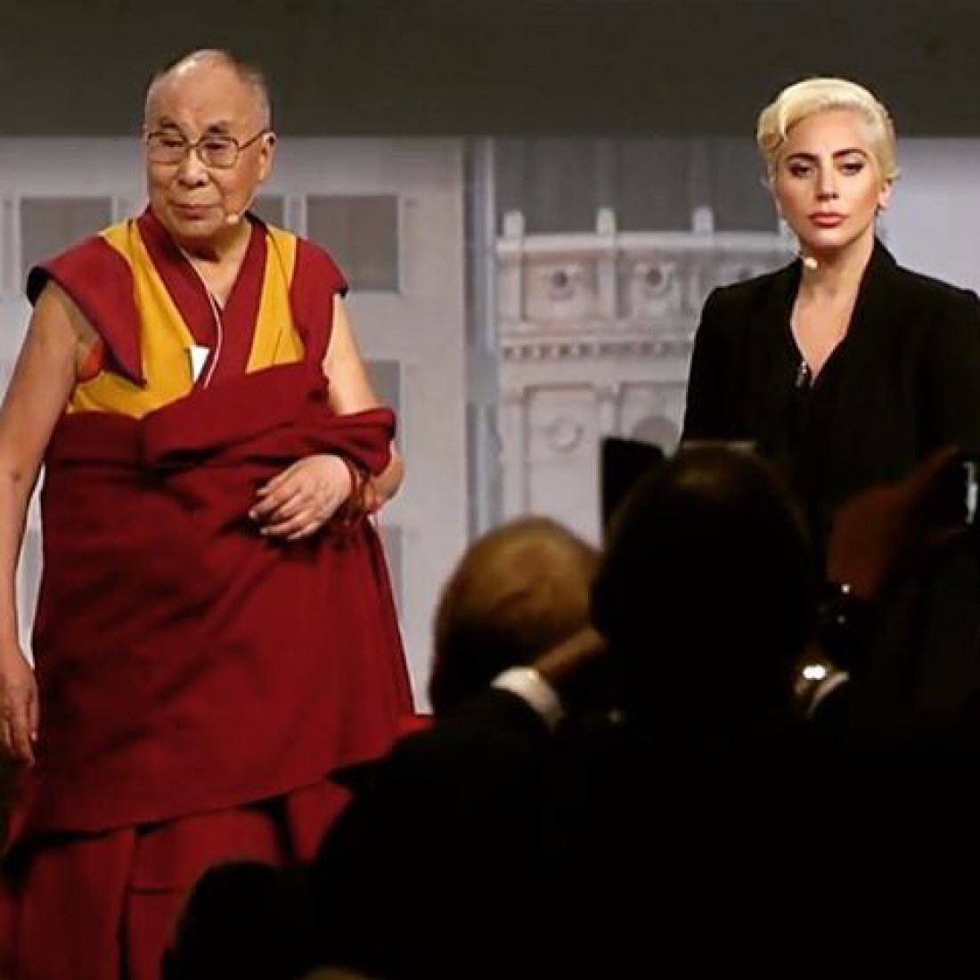 Певица Lady Gaga с Далай-ламой