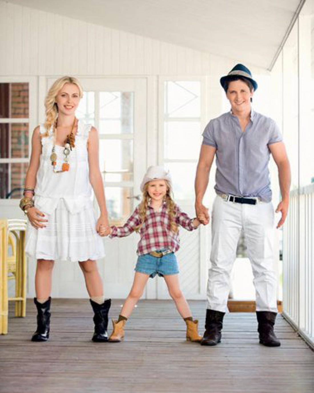 Александр Педан с женой и дочерью