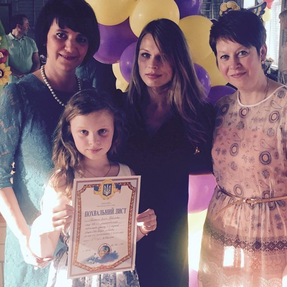Ольга Фреймут с дочкой в ее лицеи