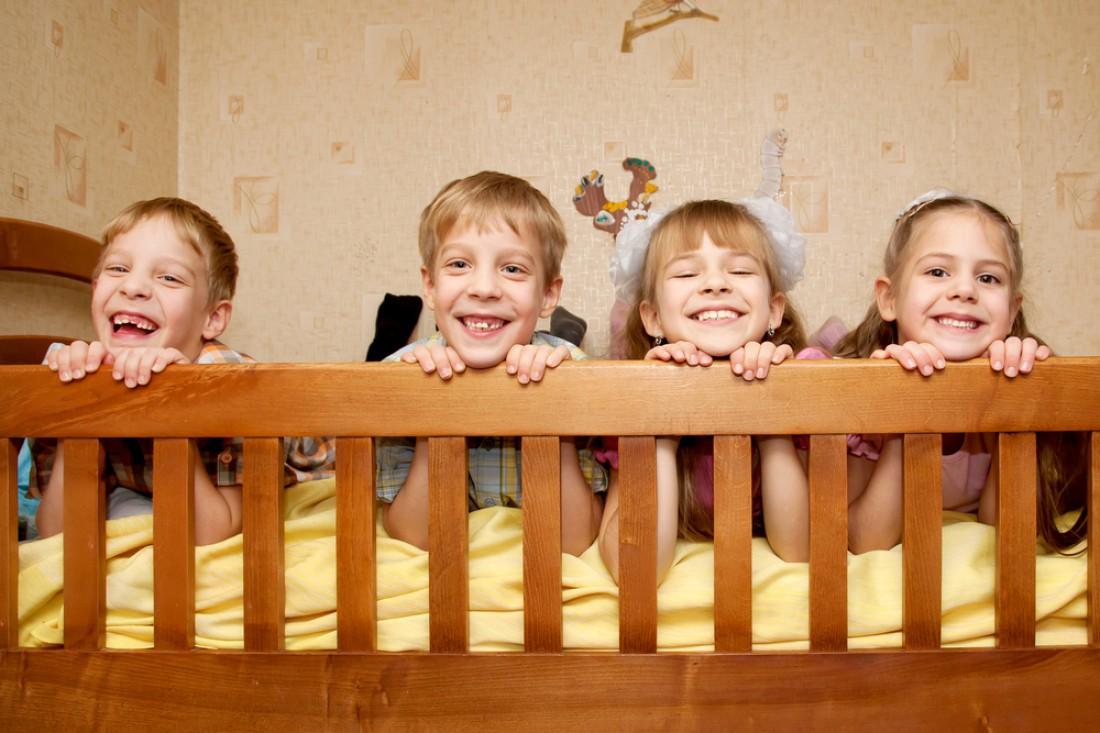 Мама родила сразу две пары однояйцовых близнецов