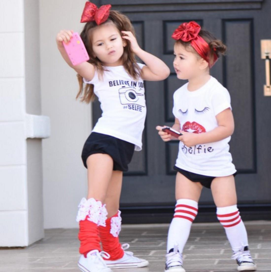 Изабелла и Скарлетт набирают популярностьв  сети