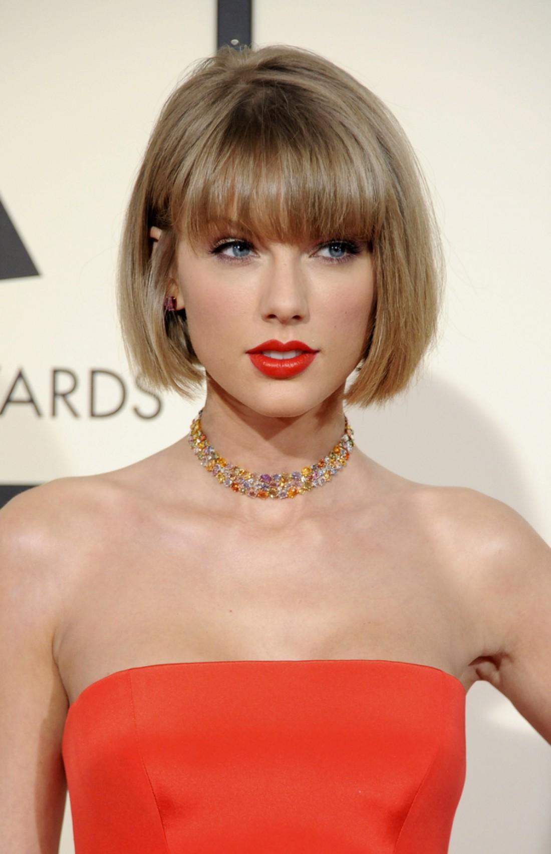 Тейлор Свифт стала самой богатой артисткой по итогам 2015 года