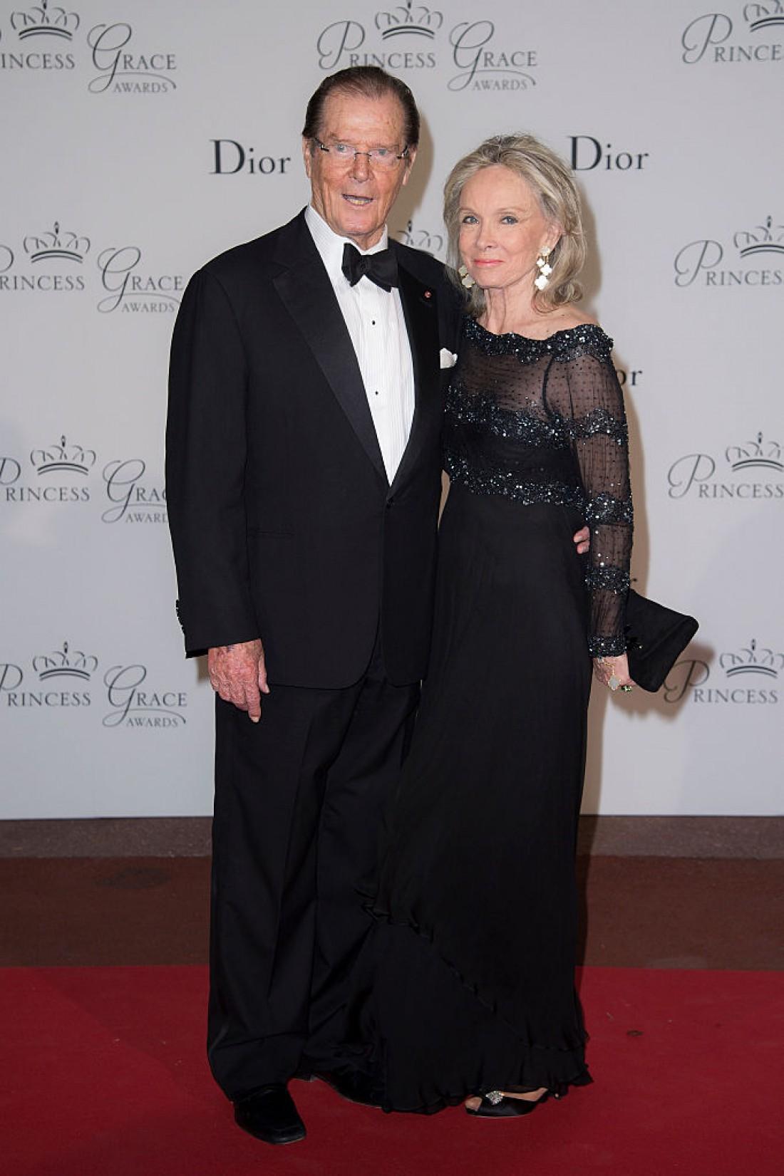 Умер Роджер Мур. На фото с женой Кристиной Толструп
