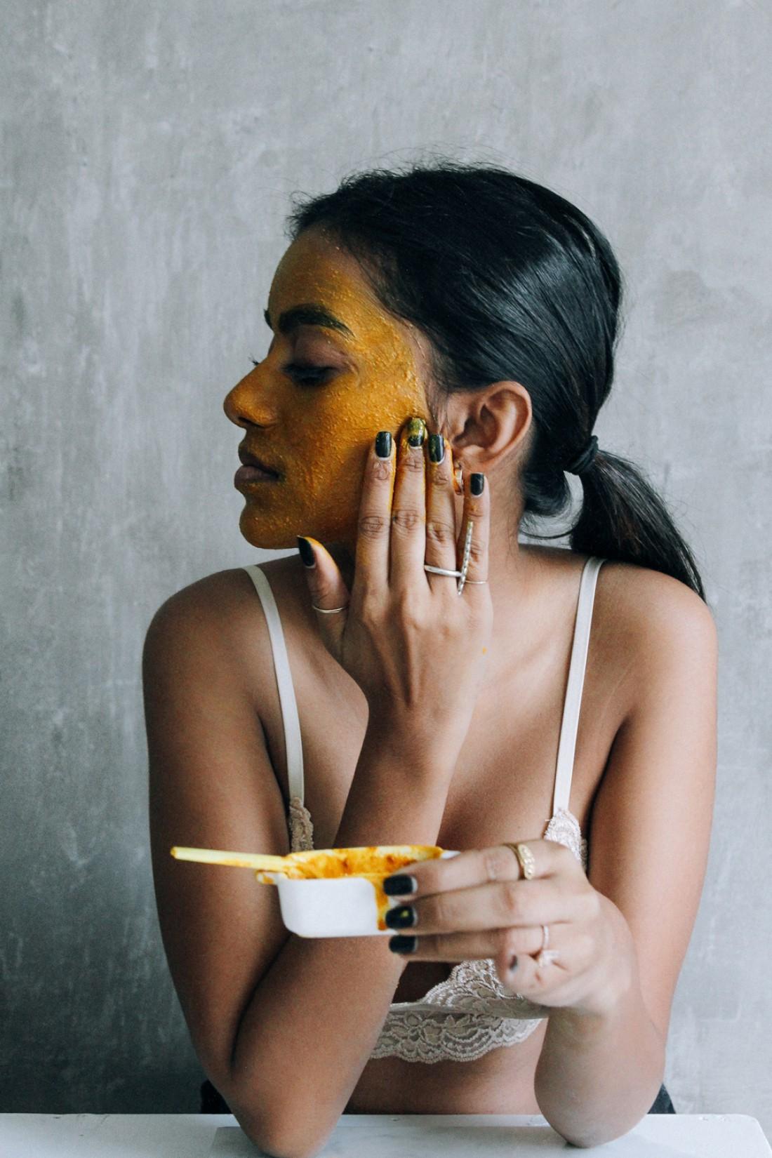 Лучший ингредиент масок для жирной кожи – это мед