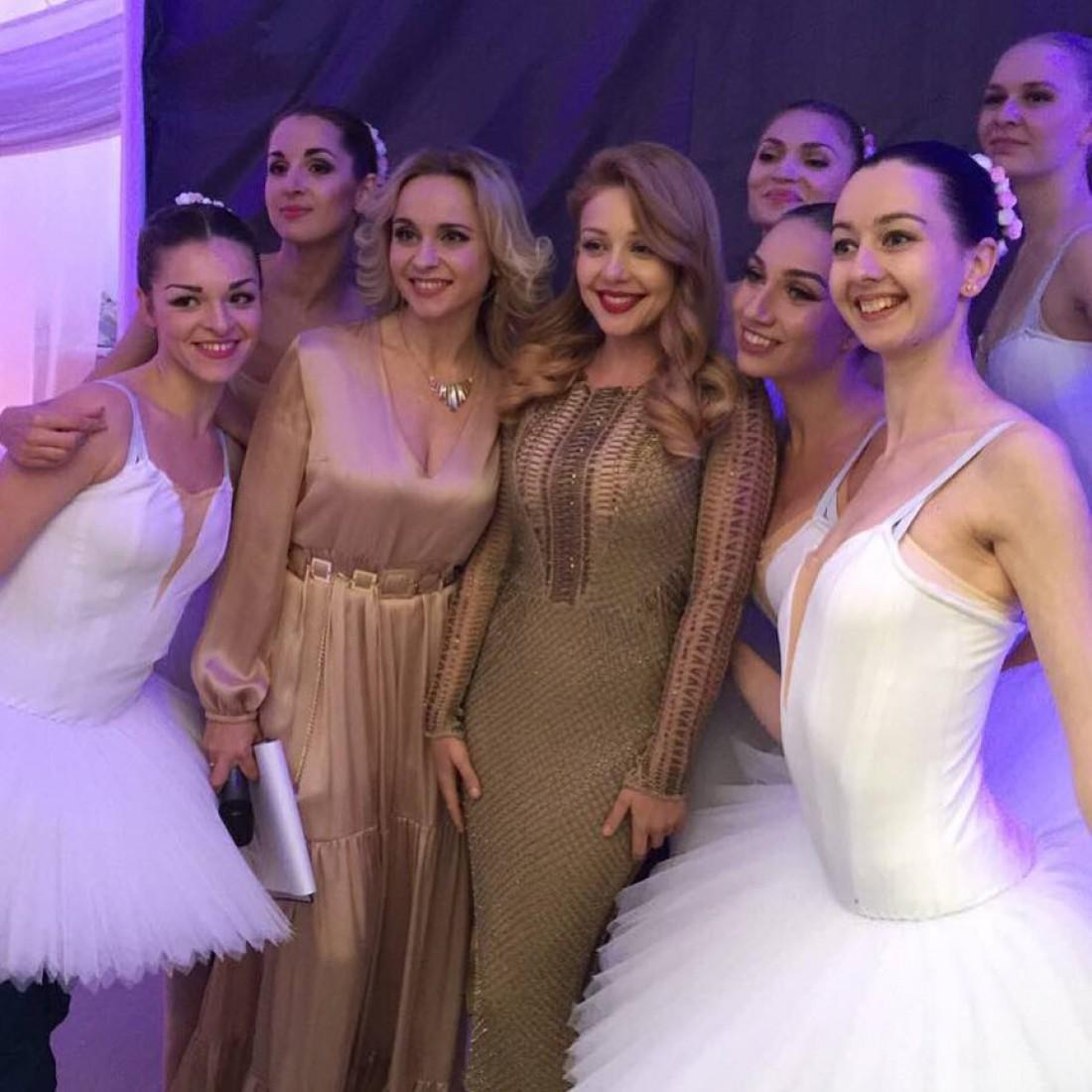 Тина Кароль и Лилия Ребрик на свадьбе