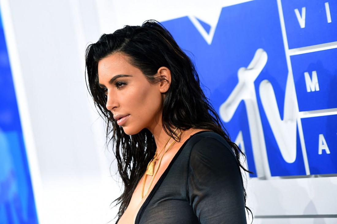 Ким Кардашян сообщила о сотрудничестве с Пэт Макграт