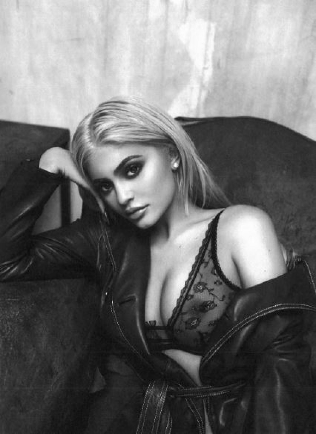 Кайли Дженнер в сексуальной фотосессии