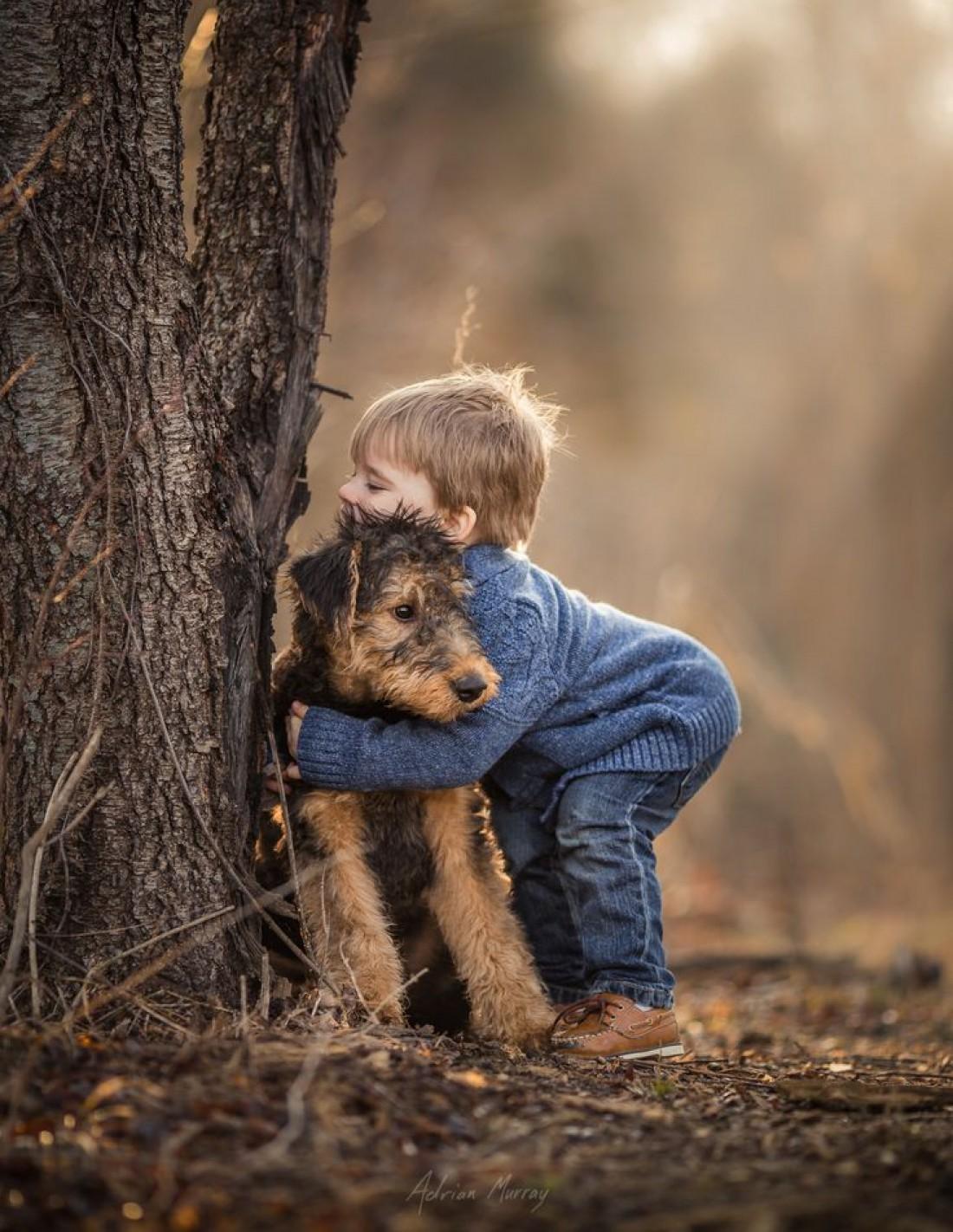 Встреча мальчика с собакой растрогала пользователей Сети