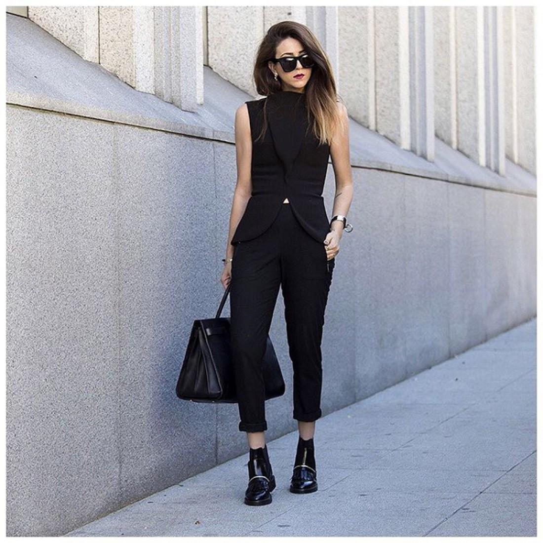В черном невозможно выглядеть чересчур шикарно или слишком скромно