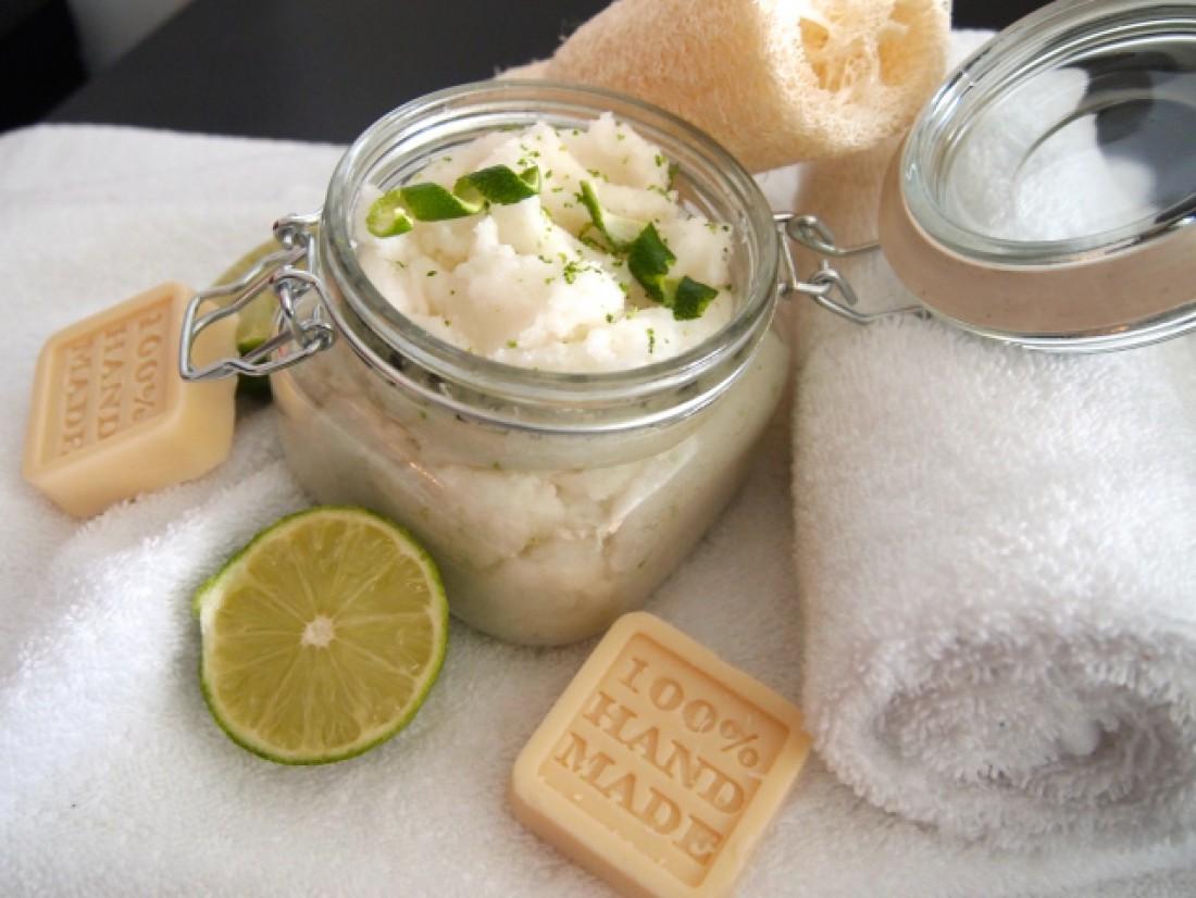 Скраб против целлюлита с солью