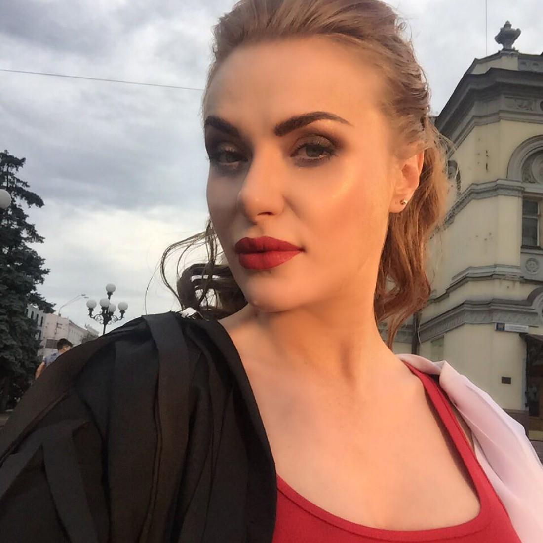 Слава из НеАнгелов снялась в клипе на пятом месяце беременности (видео) изоражения