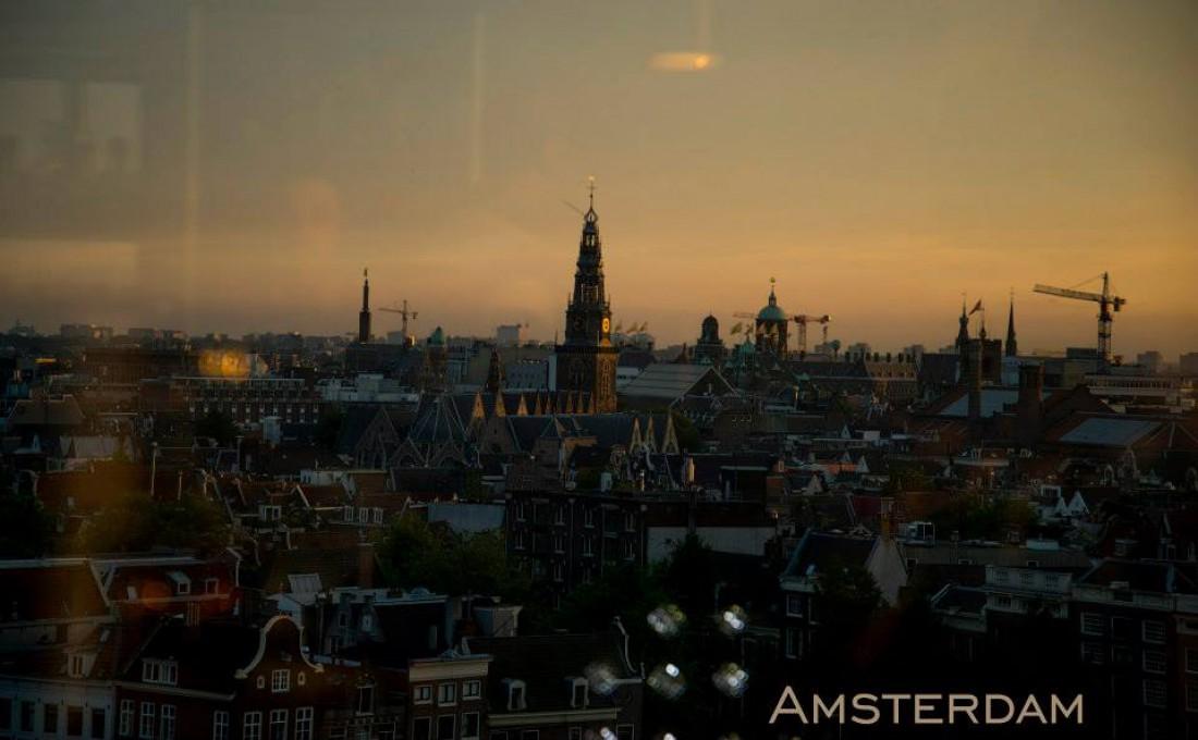 """""""Приезжие считают Амстердам городом грехов, но на самом деле это город свободы. А в свободе большинство видит грех"""" – Джон Грин"""