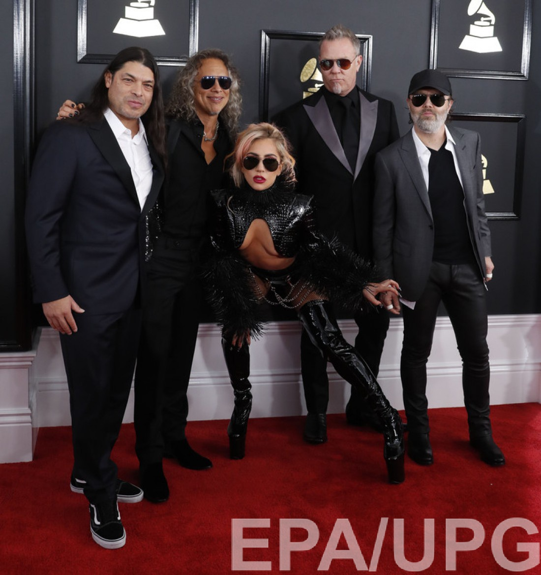 Grammy 2017:  Lady Gaga и группой Metallica