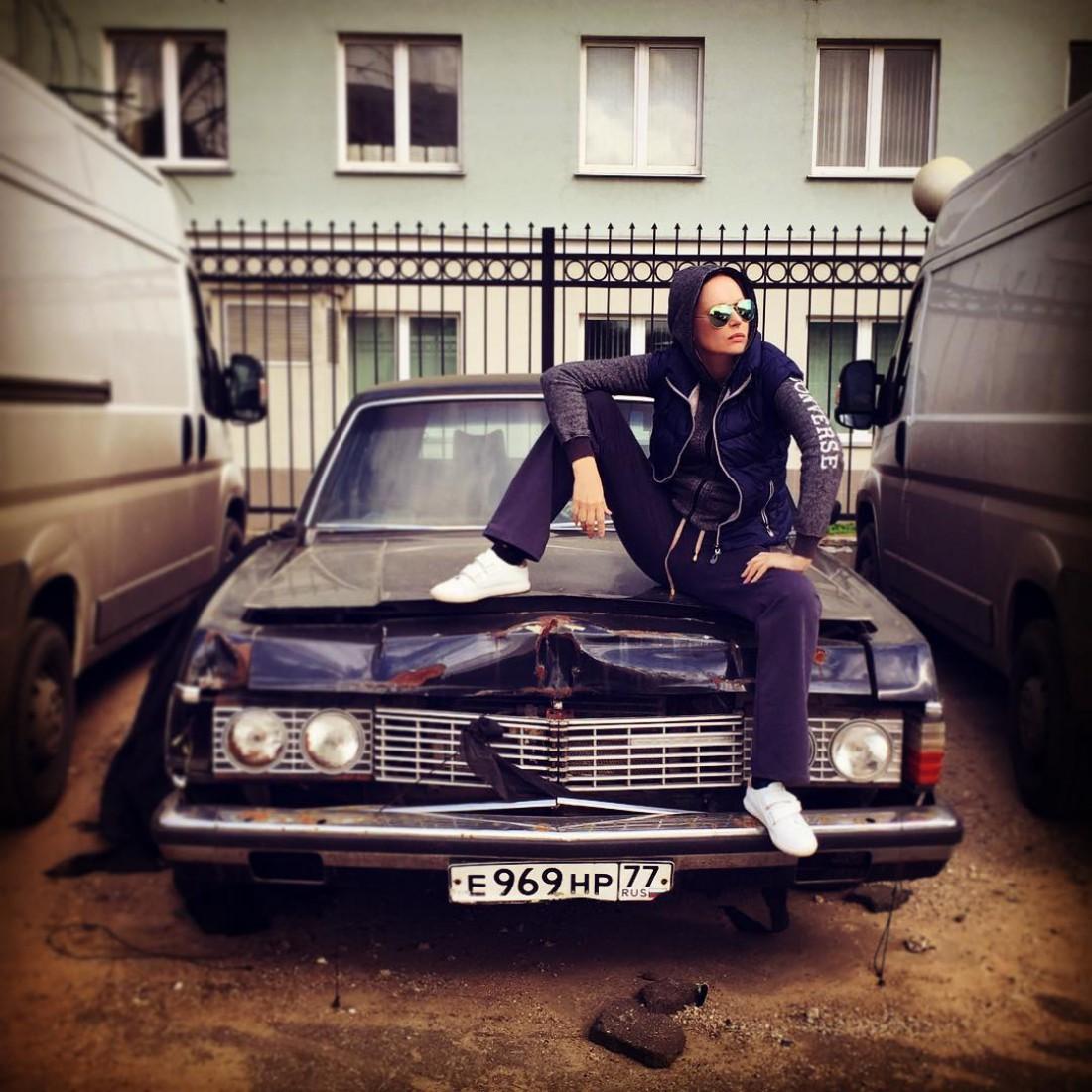 Ирина Безрукова в образе гопника